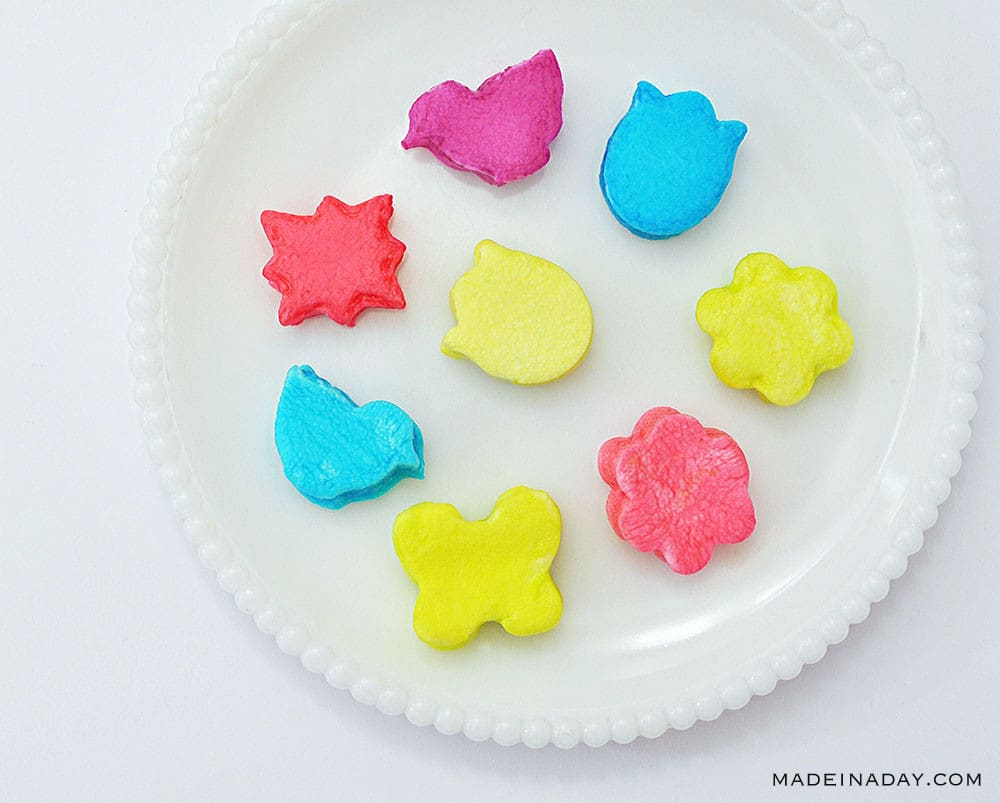 cookie cutter marshmallows, dip dyed marshmallows, colored marshmallows, Vegan Easter Eggs, dying marshmallows
