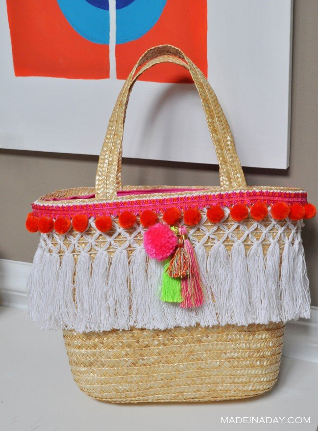 Beach Bag Pom Tassel makeover madeinaday.com