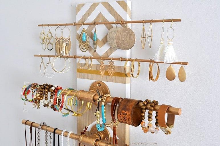 Easy Dowel Flange Jewelry Storage madeinaday.com