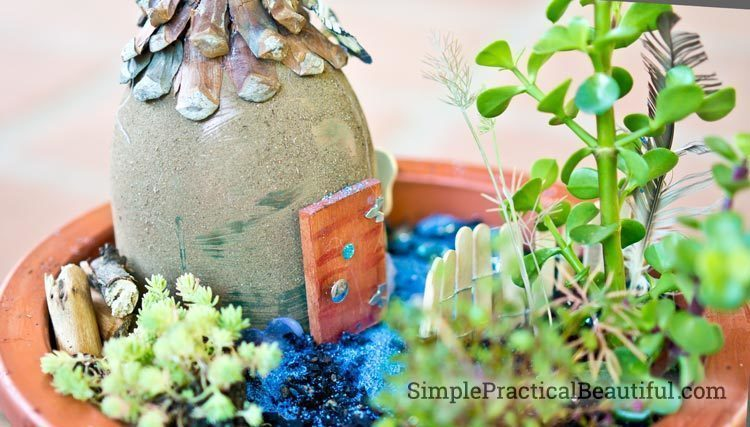fairy-house-with-plants