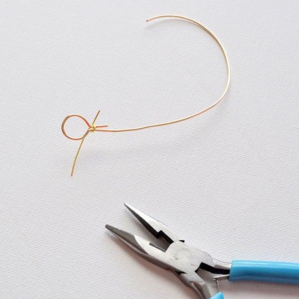 Arrow wire bracelet