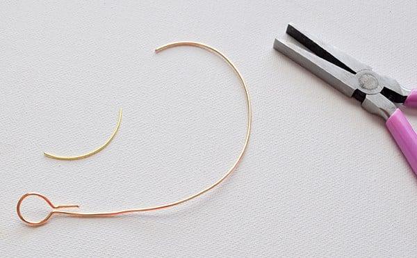 circle wire bangle