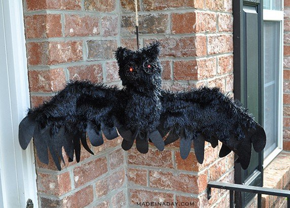 creepy-animated-owl-decor