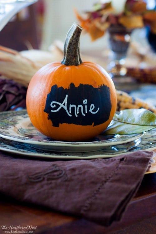 one-minute-decorating-fall-chalkboard-pumpkin-placecards-heathered-nest-2