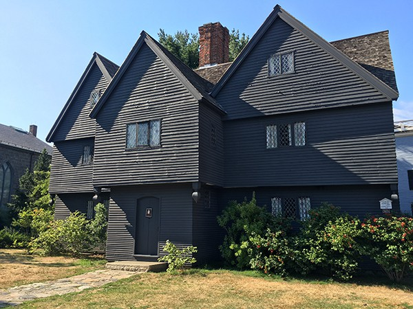 salem-witch-house-madeinaday-com