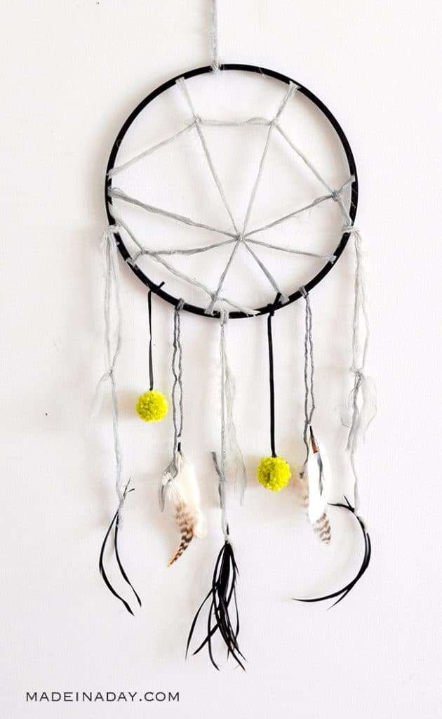 Diy creepy halloween dreamcatchers made in a day for How to tie a dreamcatcher web