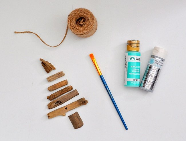 diy-painted-driftwood-tree-ornament