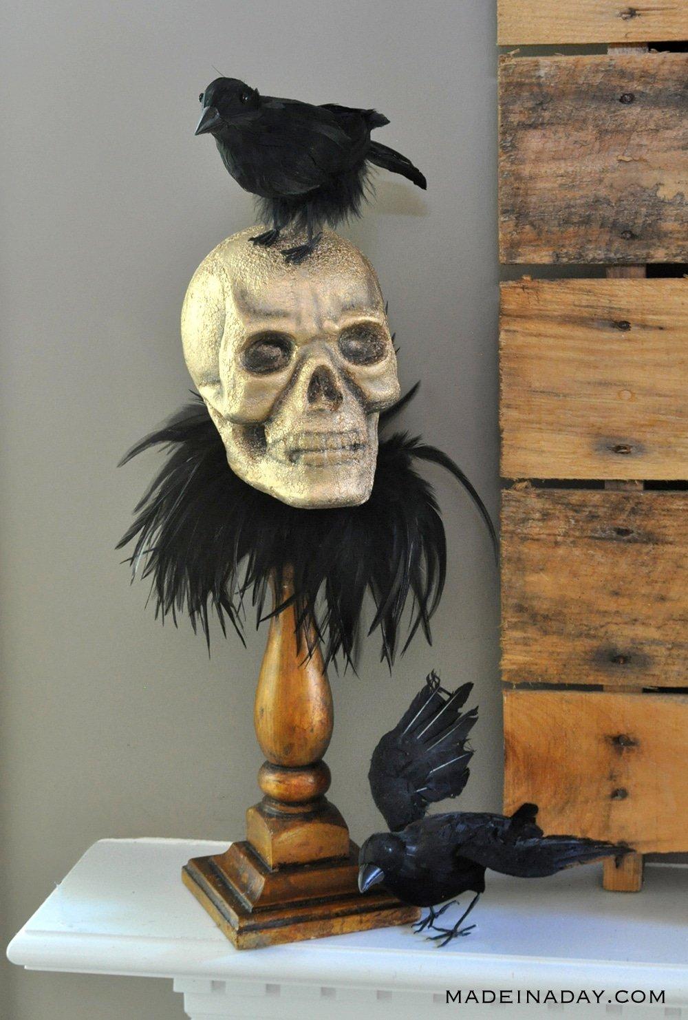 Raven Skull on a pedestal