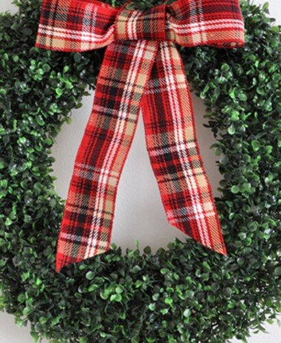 Gorgeous DIY Boxwood Wreath from a Garland 31