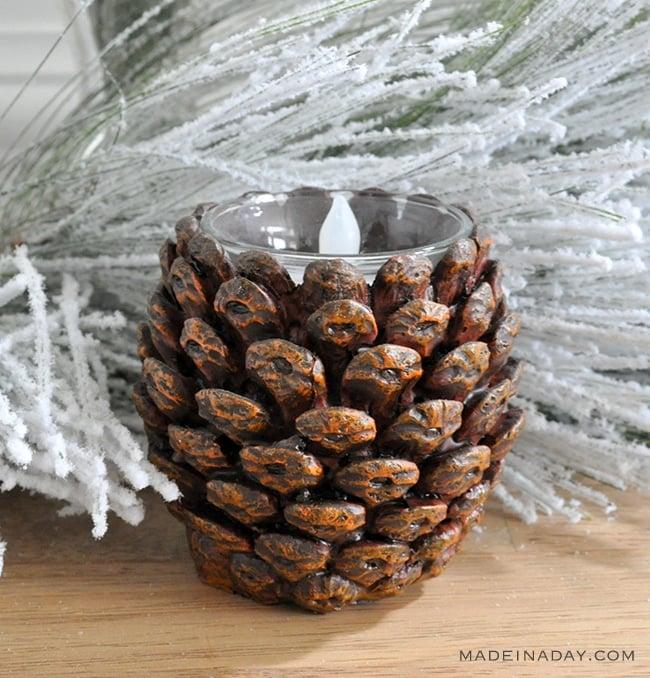 pine-cone-voltive-decor