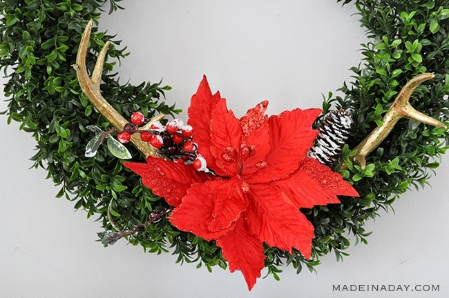 poinsettia-antler-wreath-madeinaday-com