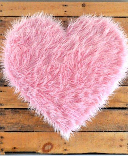 DIY Giant Pink Fur Heart Valentine 2