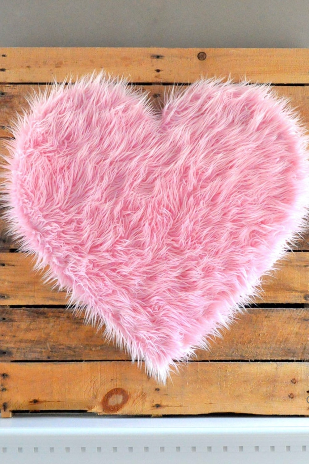 DIY Giant Pink Fur Heart Valentine