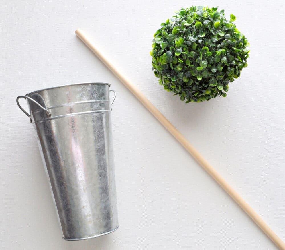 Easy DIY Boxwood Ball Topiary