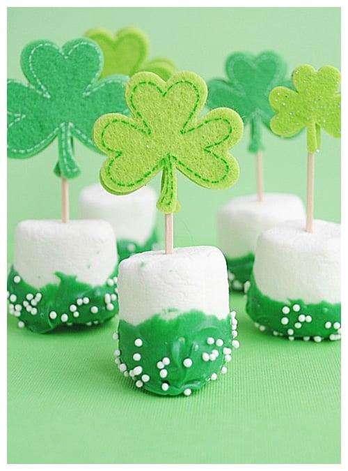 st Patricks day marshmallow pops