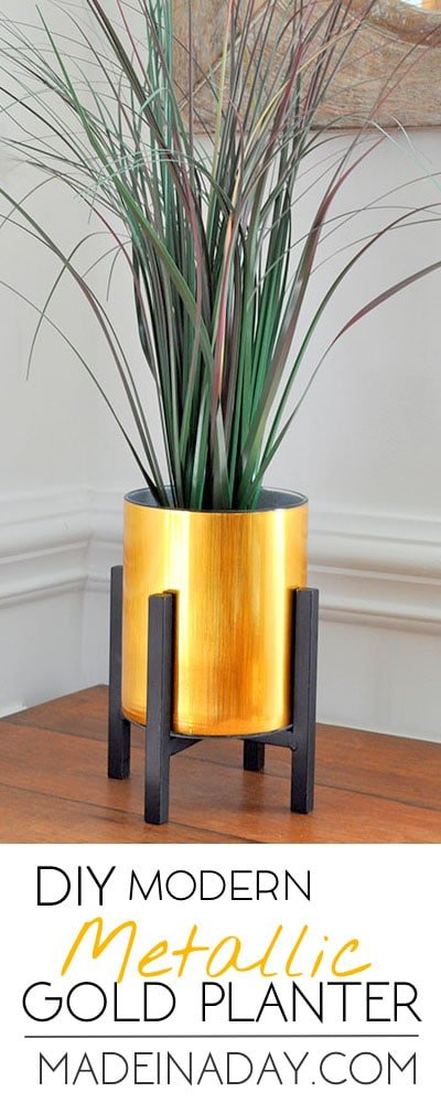 Super easy Faux Gold Metal Planter tutorial, metal adhesive laminate over a glass vase, Easy way to get in on the modern metal home decor trend. Palm #metalplanter #gold #goldplanter