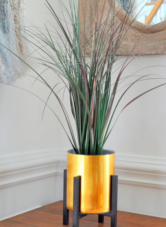 Faux Gold Metal Planter using Contact Paper 32