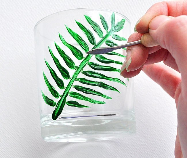 paint to use on glass, tricks to paint on glass