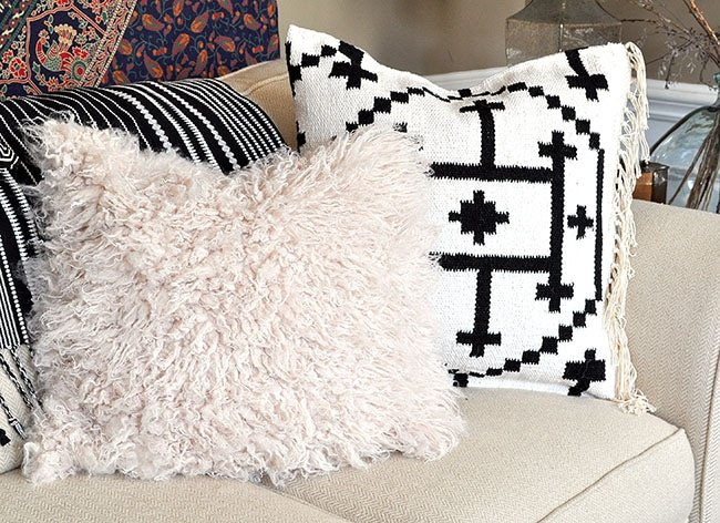 How to make a no sew Alpaca Fur Throw Pillow