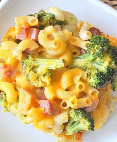Broccoli Ham Macaroni and Cheese Casserole 31