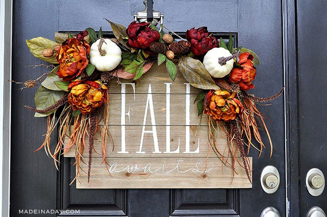 fall pallet sign, fall awaits sign, hello fall sign,