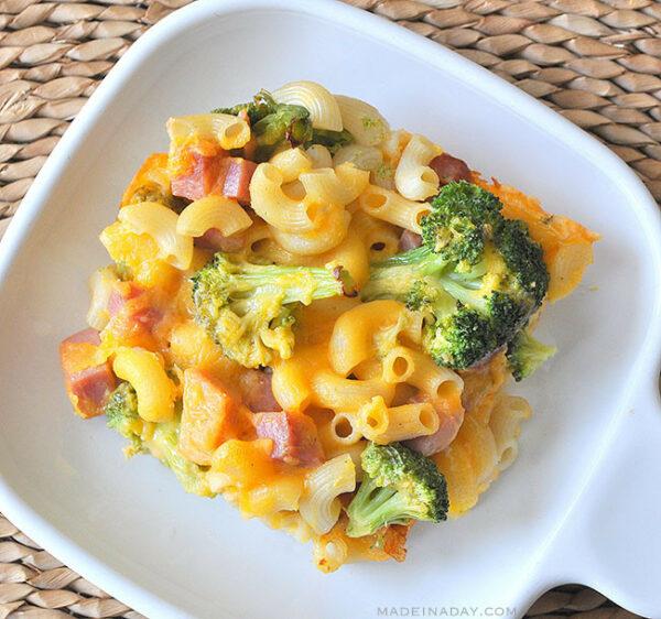 Broccoli, Ham Macaroni & Cheese Casserole