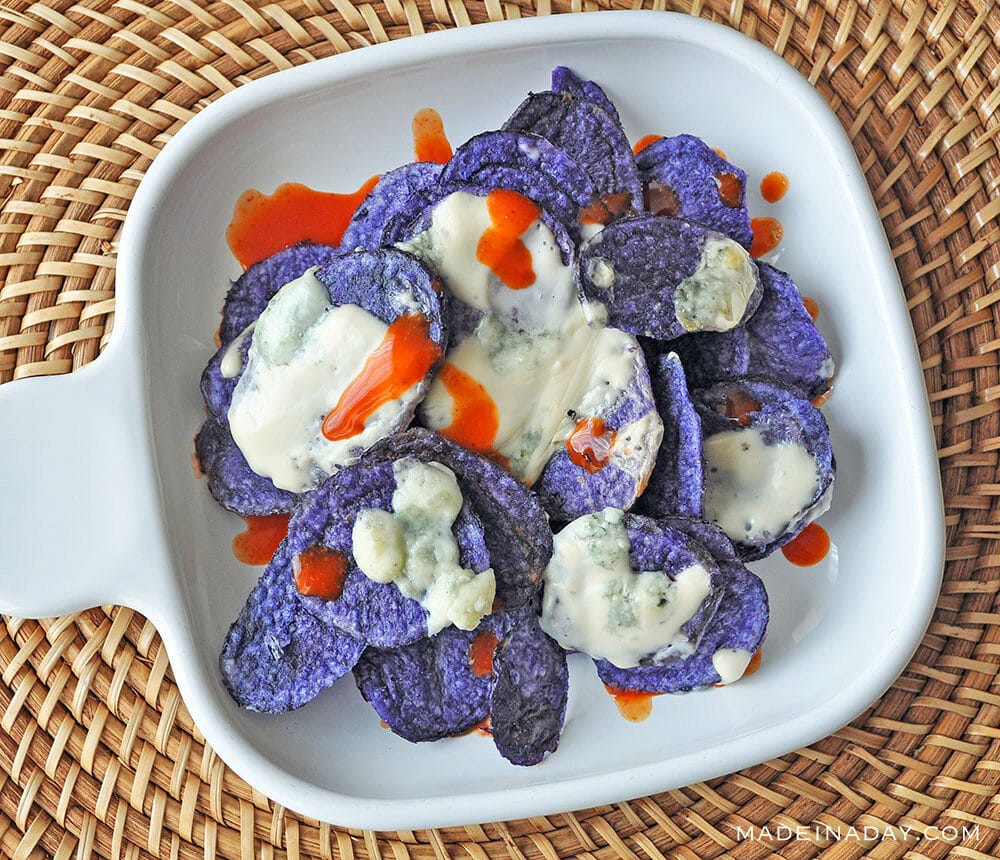 Blue Chips with Gorgonzola Cheese Dip Sauce, Sheet pan appetizer