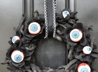 Easy Creepy Halloween Eyeball Wreath