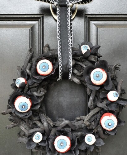 Horrifying Eyeball Wreath & Pumpkin Man Halloween Decor 31