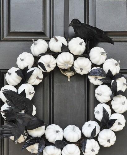 Mesmerizing White Pumpkin Wreath for Fall to Halloween 5