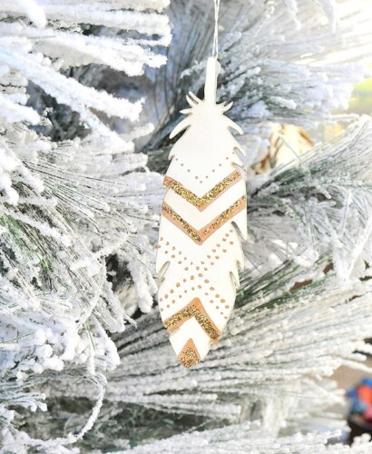 Sparkling Glitter Painted Feather Ornaments 31