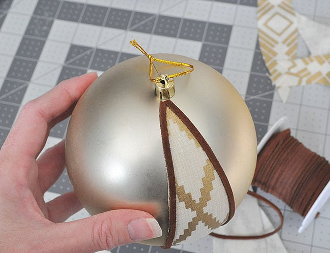 DIY fabric ball ornament