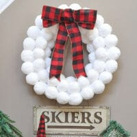 Winter Fun Snowball Wreath