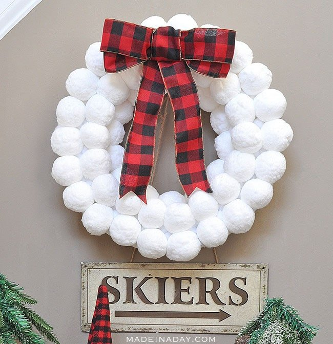 Winter Fun Snowball Wreath, how to make a snowball wreath, #snowball, #winter wreath, #buffaloplaid, winter wreath