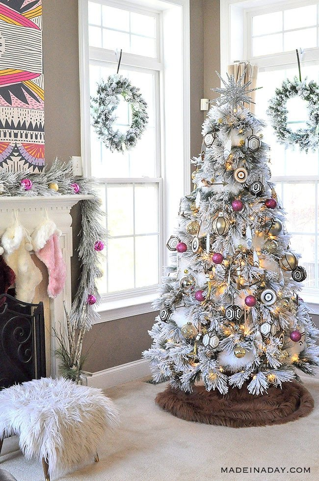 It's a White, Pink, Black and Brown Boho Flocked Christmas Tree this year + a Christmas Tree Blog Hop! Pink ornaments, Feather ornaments, how to decorate a tree, bullseye ornament, #bohemian #Christmastreedecor,