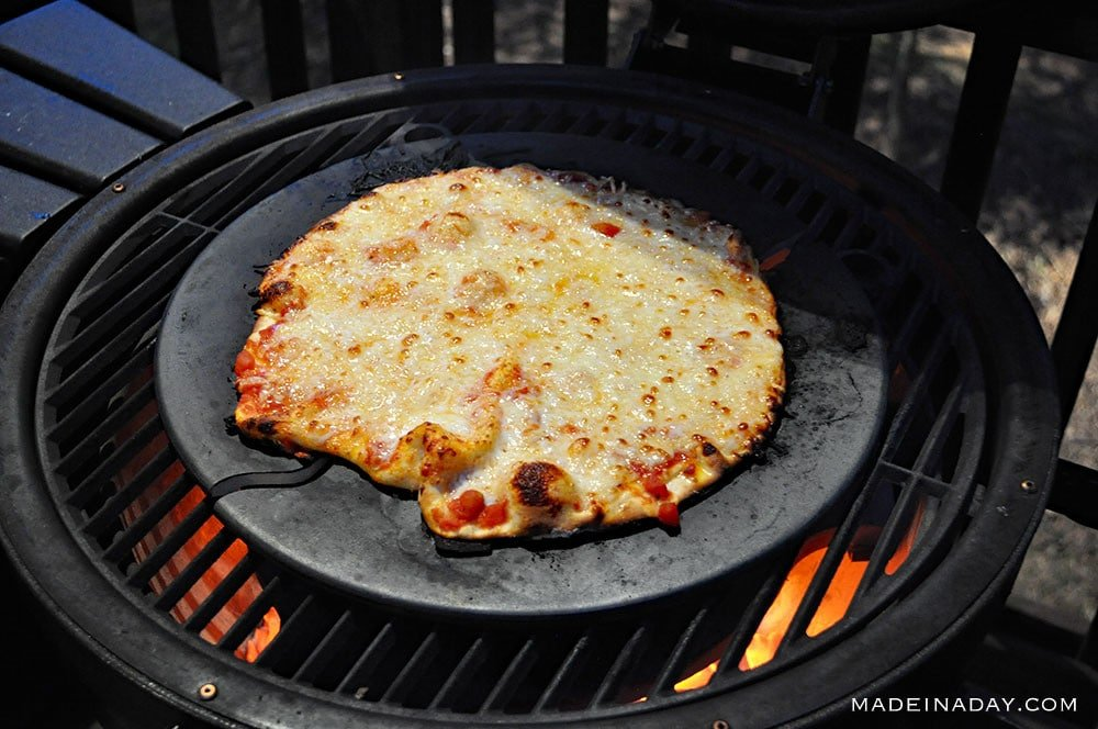 Wood Fired Pizza: Kamado Grill Recipe + Tips