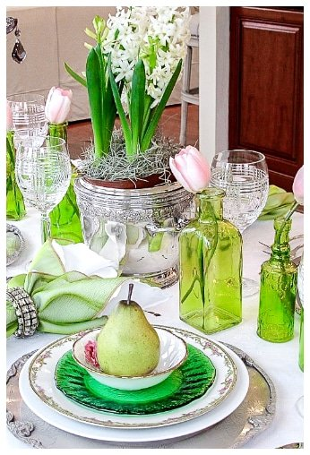 green st Patricks day table