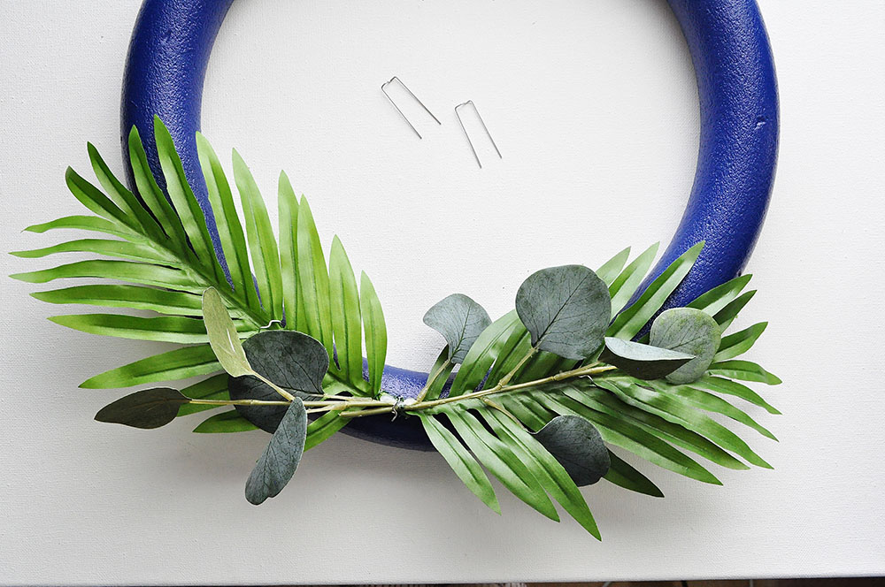how to make a palm wreath
