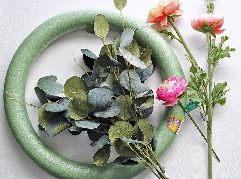 DIY tropical Wreath with peonies