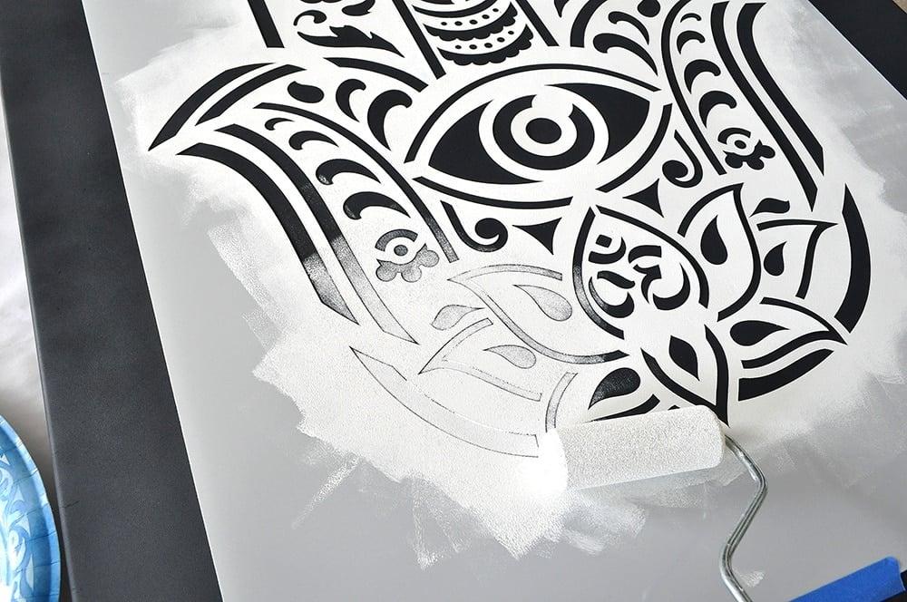 Palm of Fatima stencil