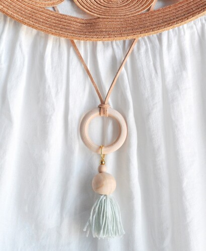 How to Make a Wood Bead Tassel Hoop Necklace 5