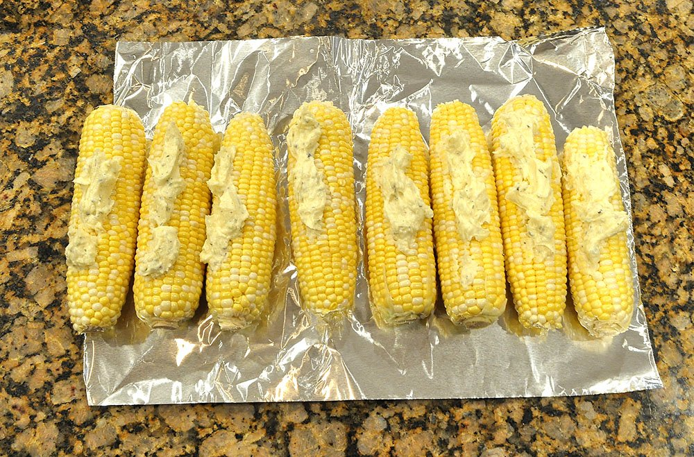 Garlic Herb Butter Grilled Corn on the Cob 3