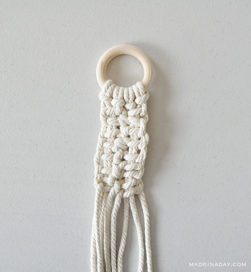 square knot for macrame holder