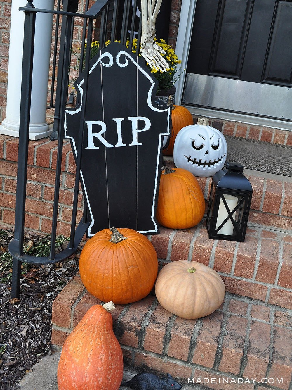 DIY Pottery Barn Knock off Chalkboard Tombstones, Easy foam core tombstones
