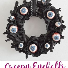 Easy Creepy Halloween Eyeball Wreath 1