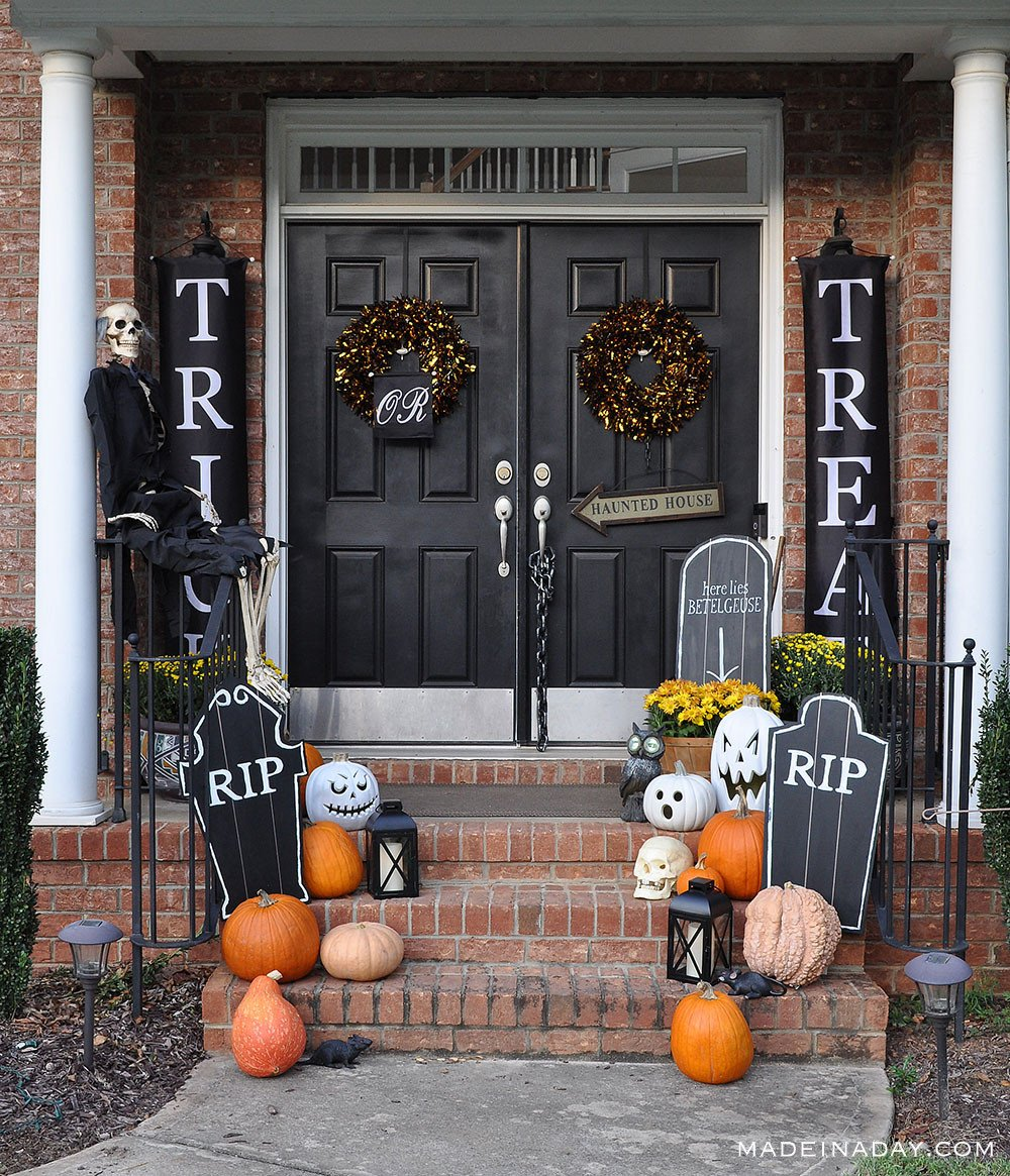 Halloween porch Trick or Treat Banners with DIY Chalkboard Tombstones, Beetlejuice Tombstone
