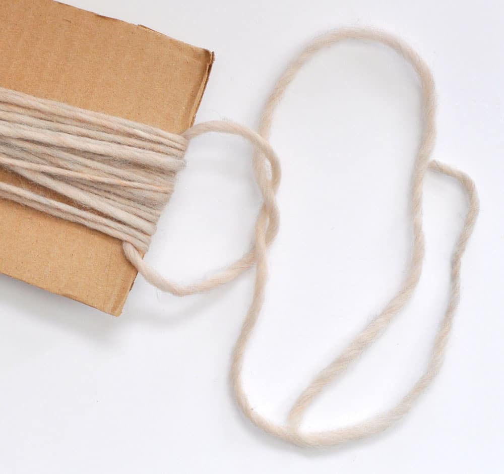 easy tassel making with cardboard