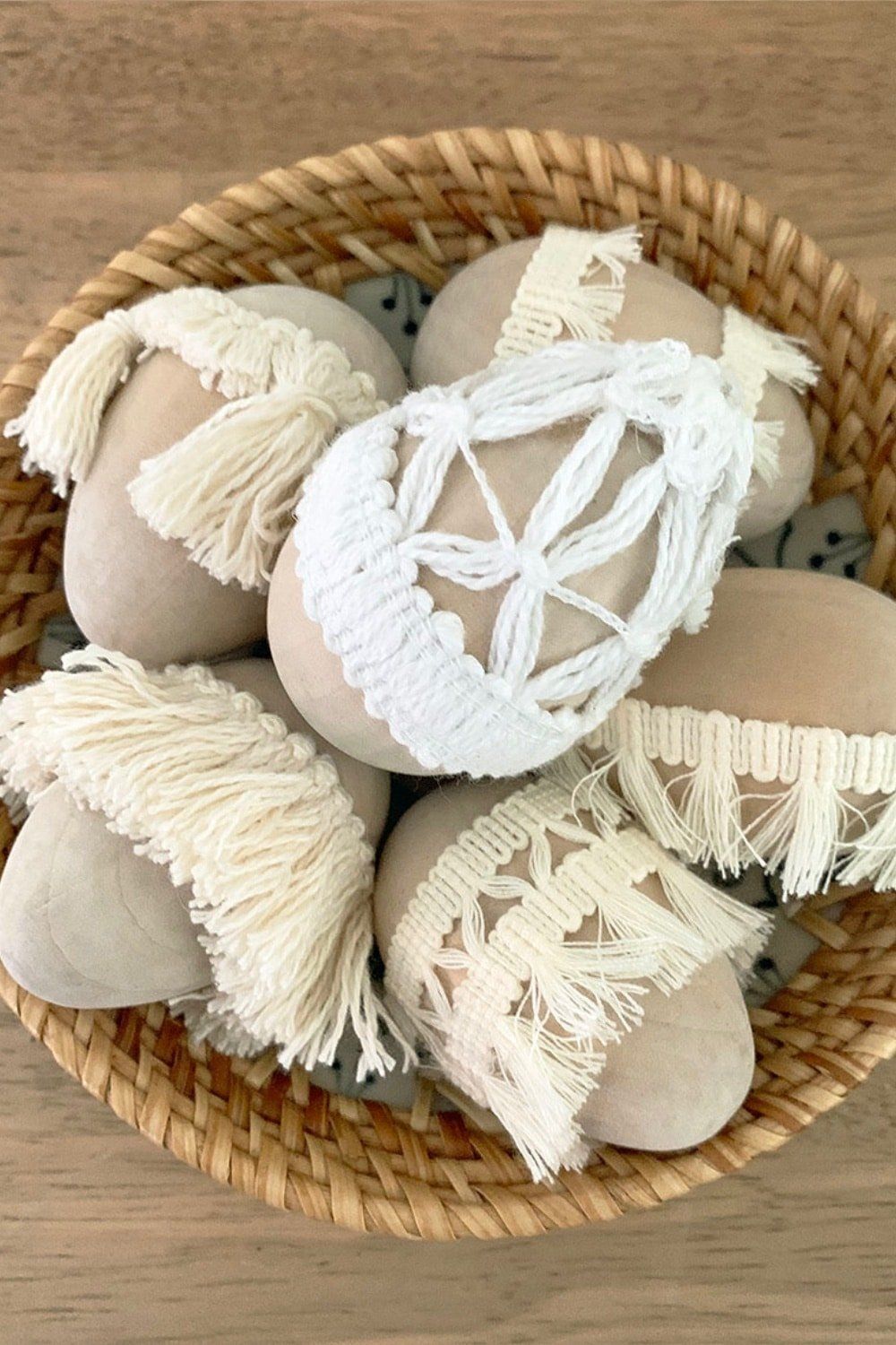 Simple Natural Tassel Easter Eggs 13