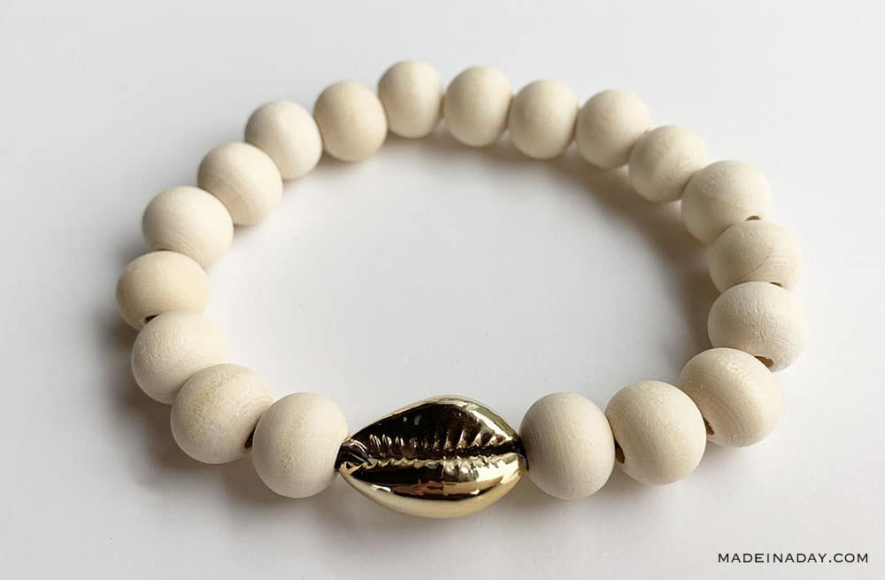 9mm Bead bracelet with gold cowrie shell tutorial, DIY cowrie shell bracelet, cowrie stack bracelet, Gold Cowrie Shell