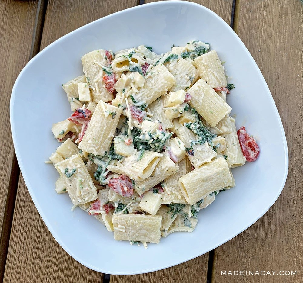 Spinach with Smoked Mozzarella Pasta Salad, parmesan dressing, whole foods pasta salad recipe, Spinach pasta salad,